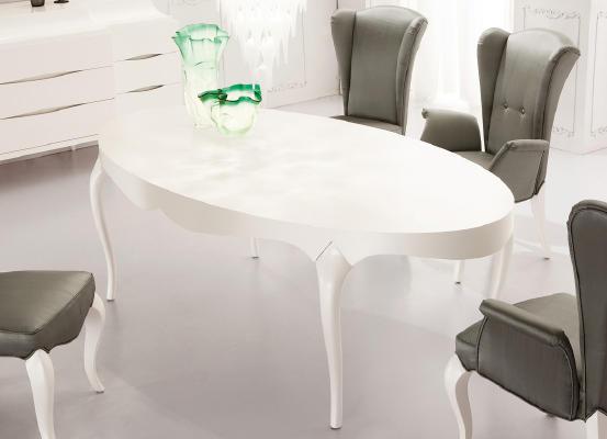 Белый овальный стол