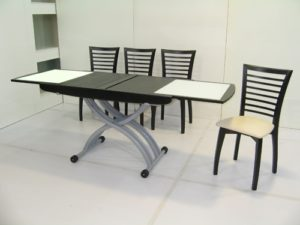 Данный стол прекрасен так же и тем, что в собранном состоянии может играть роль тумбочки