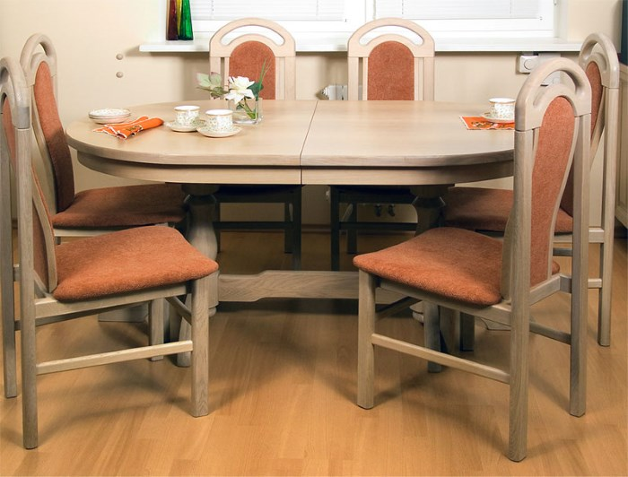 Деревянная модель стола