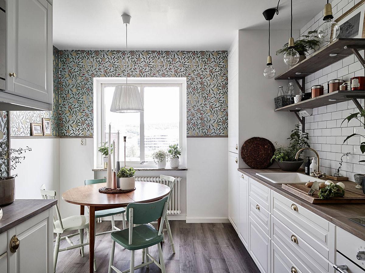 Кухонные столы в маленькую кухню, какими бывают