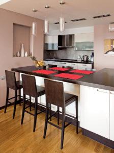 Интерьер квартиры в теплых оттенках