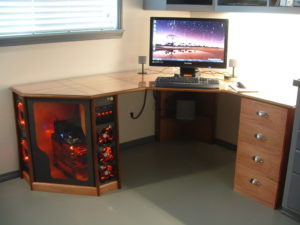 Мебель своими руками компьютерных столов 16