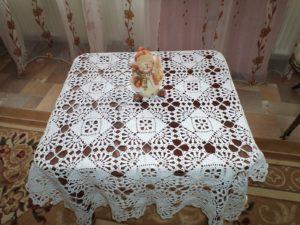 Как украсить небольшой стол