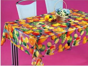 Клеенка с яркими фруктами