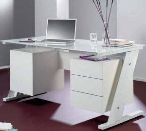 Компьютерные столы белые