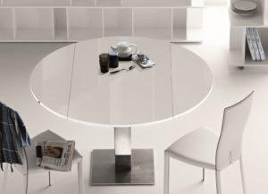 Круглый раздвижной обеденный стол в интерьере