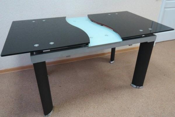Кухонные стеклянные раздвижные столы - критерии выбора