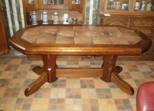 Кухонные столы с керамической плиткой – стильно, практично, удобно