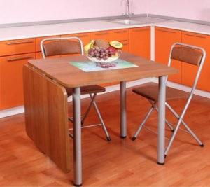 Кухонный раскладной стол для маленькой кухни