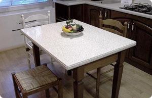 Кухонный стол из искусственного акрилового камня
