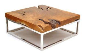 Квадратный стол из необработанного дерева