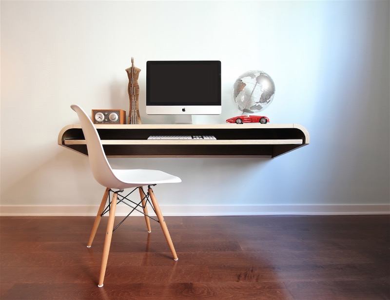 Минималистический стол