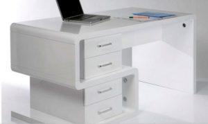 Минималистичный комьютерный стол