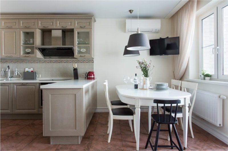 Овальный кухонный стол на 6 персон