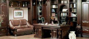 Письменный стол из массива дерева - благородство интерьера