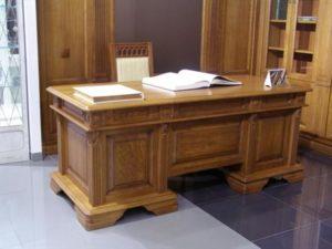 Письменный стол из массива своими руками