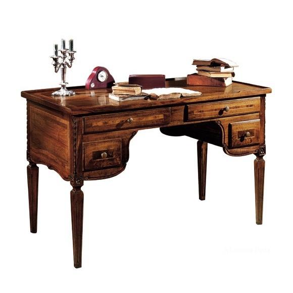 Письменный стол на фигурных ножках