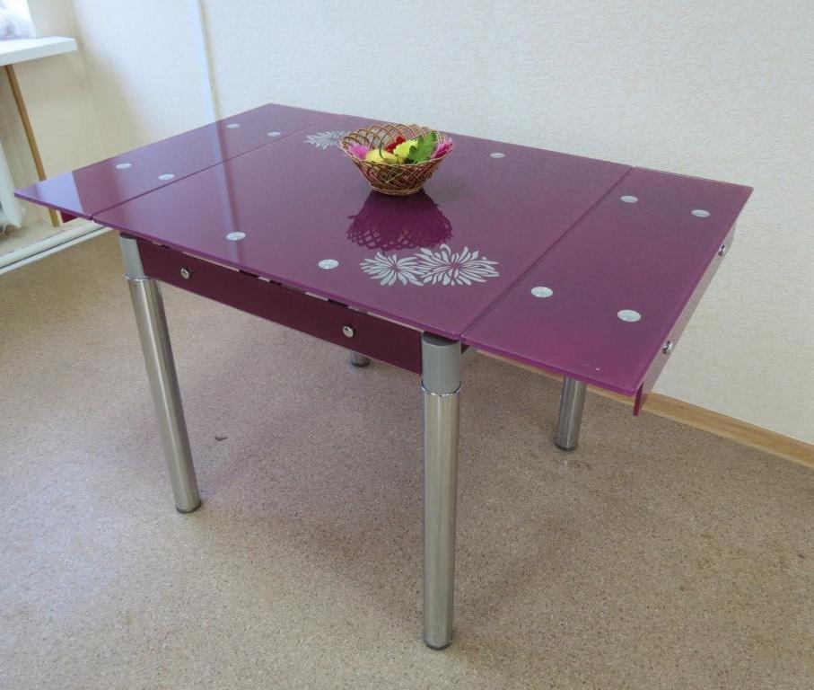 Раскладной стол из стекла