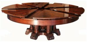Раздвижной стол из дерева