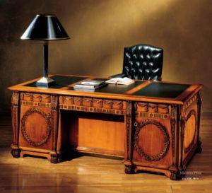 Резной стол из массива дерева