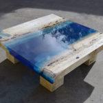 Способы изготовления столов из дерева и эпоксидной смолы