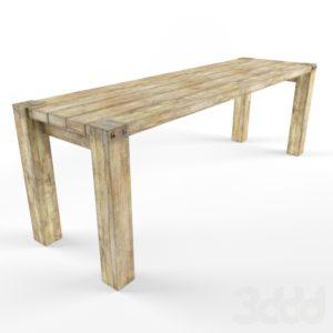Стол из необработанного дерева светлый