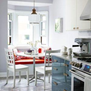 Стол обеденный для кухни маленький