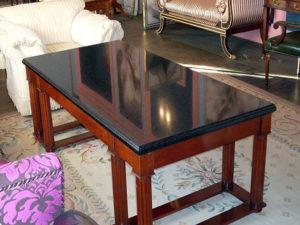 Столешницы для столов из кварцевого камня