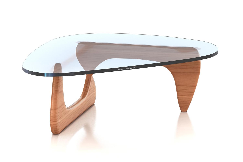 Столик на деревянных ножках