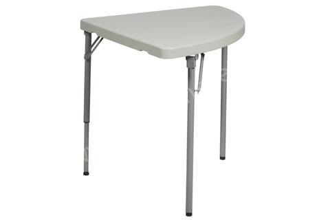 Треугольный стол