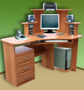 Угловой диагональный компьютерный стол