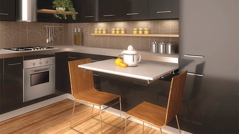 Выдвигающийся стол на кухне