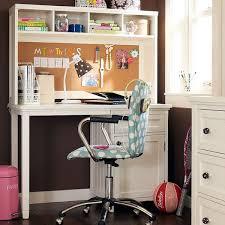 Высокий письменный стол с полками для детской девочки