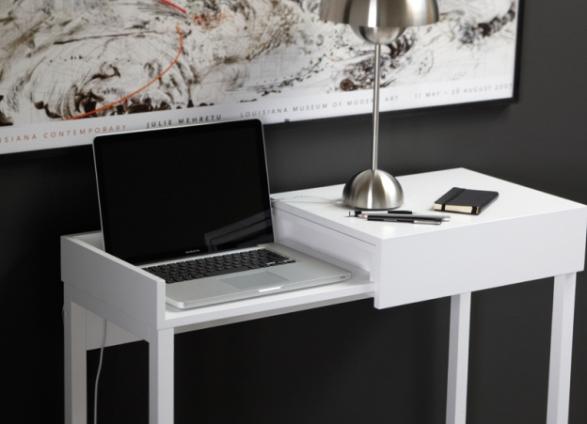 стол для работы за ноутбуком