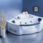 Треугольная ванна (41 фото) — роскошь или оптимальный вариант?