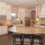 Дизайн кухни вчастном доме— 35 фото современных кухонь