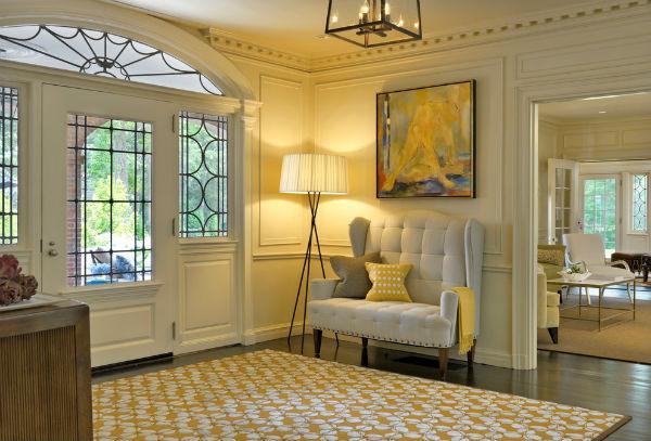 Красивый и изящный коридор в стиле Прованс