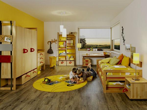 Лучезарный желтый цвет в детской комнате