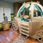 Комната маленькой принцессы: карету мне, карету!