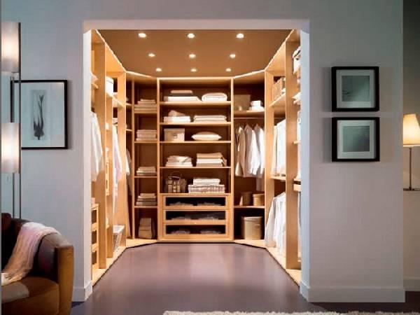 Планировка гардеробной комнаты: 30 фото больших ималых помещений