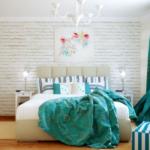 Потрясающая спальня в бирюзовых тонах. Фото