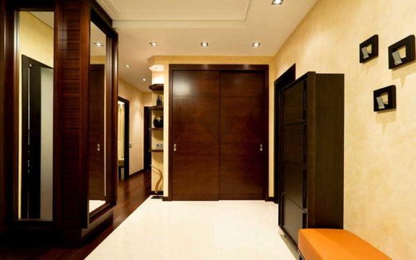 Свет в прихожей и коридоре