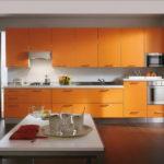 Оранжевый цвет в кухне