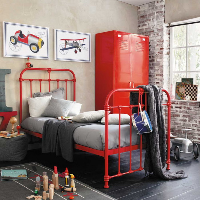 Интерьеры детских и подростковых комнат в красном
