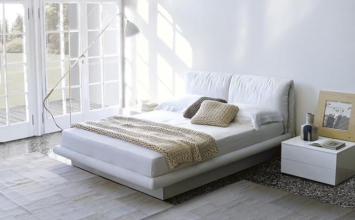 Освещение возле кровати