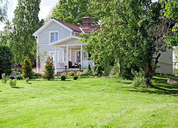 Белое ранчо — дом в Швеции