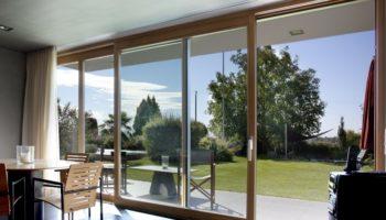 Как правильно выбрать раздвижные окна для дома