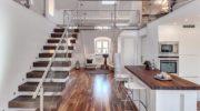 Великолепные двухуровневые квартиры: 70 фото среальными примерами