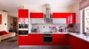 Красная кухня: смелое решение в рамках хорошего вкуса