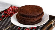 Тонкости приготовления шоколадного бисквита на кипятке